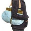 Chọn túi xách hợp dáng người của bạn