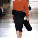 Phong cách vintage với trang phục, túi xách của Miu Miu